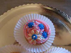 <3 pink cupcake