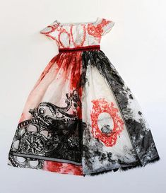 Leonie Oakes (paper dresses made with books!)
