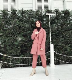 The place was beautiful light, what should we do … – Best Of Likes Share Modern Hijab Fashion, Street Hijab Fashion, Muslim Fashion, Modest Fashion, Fashion Outfits, Women's Fashion, Hijab Style, Hijab Chic, Simple Hijab