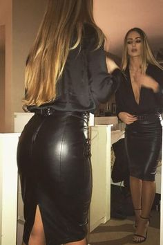 Sexy Lady with Leather Skirt & Perfect long Hair Black Leather Skirts, Leather Pants, Leather Pencil Skirts, Black Pencil Skirts, Leather Skirt Outfits, Black Leather Heels, Look Fashion, Womens Fashion, Sexy Skirt