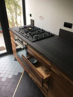 Cuisine Noyer et bois noir chêne vieilli Ping Pong Table, Kitchen, Furniture, Home Decor, Distress Wood, Drown, Cooking, Decoration Home, Room Decor