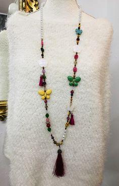 Sautoir en perles semi-Précieuses, Nacre, Papillon en Howlite Tassel Necklace, Tassels, Jewelry, Fashion, Pom Poms, Mother Of Pearls, Butterflies, Pendant, Beads