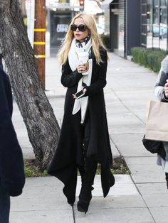 Rachel Zoe Photos Photos: Rachel Zoe Stops by Starbucks Diva Fashion, Star Fashion, Fashion Addict, Rachel Zoe, Street Chic, Street Style, Street Beat, Fall Outfits, Fashion Outfits