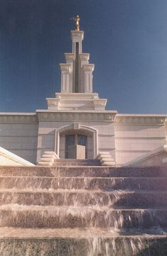 LDS Temple in Kennewick, Washington. The Columbia River Temple - My parents serve in this temple. Lds Temple Pictures, Church Pictures, Mormon Temples, Lds Temples, Kennewick Washington, Lds Mormon, Mormons, Lds Church, Lds Quotes