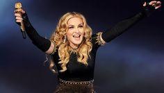 """Ao receber o prêmio de título de mulher do ano"""" pela Billboard, em Nova York, Madonna marc..."""