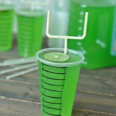 Football party drinks with goal post straws | @Mindy CREATIVE JUICE