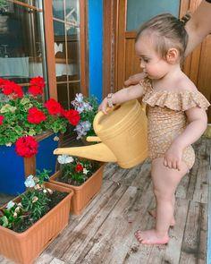 """Alper Ege & Bade on Instagram: """"Basenleri var resmen🩰 #mydaughter #flowers"""" Summer Memories, Baby Pictures, Flowers, Instagram, Baby Photos, Royal Icing Flowers, Flower, Kid Pictures, Florals"""