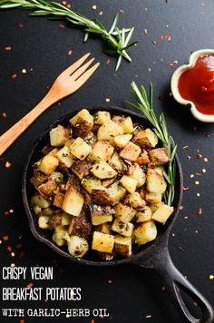 Crispy Vegan Breakfast Potatoes with Garlic-Herb OilGl. ❉CQ glutenfree vegan