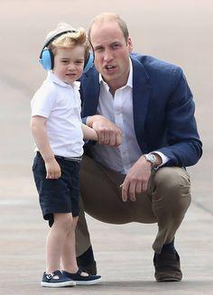 A punto de cumplir tres años, el Príncipe George tuvo su primer acto oficial en Reino Unido y el evento no podría haber sido más entretenido gracias a las travesuras del pequeño.