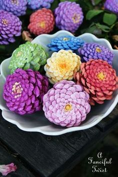Take a 2nd look - NOT Zinnias - they are PINE CONES - click through for how-to! Pinecone flowers 4 from A fanciful Twist - typepad blog. Thank you for sharing AFT !