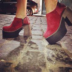 Encontrá estas hermosas #Renee bordo en nuestros locales exclusivos y en www.heyas.com.ar #zapatos #shoes #AW15 #fashion #night
