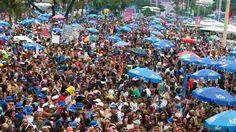 Uma das rainhas do Carnaval de Salvador, Ivete Sangalo fez seu show também na Marquês de Sapucaí. Tema do enredo da Grande Rio, segunda escola a desfilar na primeira noite do Grupo Especial neste domingo (26), Ivete dançou co