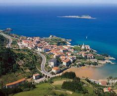 Mundaka en Vizcaya es una anteiglesia y municipio de España situado en la margen izquierda de la desembocadura de la ría de Mundaca, al norte de la provincia de Vizcaya, en la comunidad autónoma del País Vasco.