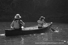 Tire sua família do lugar comum com uma canoa da Companhia de Canoagem.