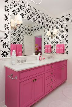 Pink and black bathroom decor pink bathroom decorating ideas pink bathroom decor black and pink bathroom . pink and black bathroom decor Casas Na Georgia, Pink Wallpaper Bathroom, Bathroom Pink, Bathroom Ideas, Office Bathroom, Basement Bathroom, Bathroom Designs, Rose Pink Wallpaper, Hot Pink Bathrooms