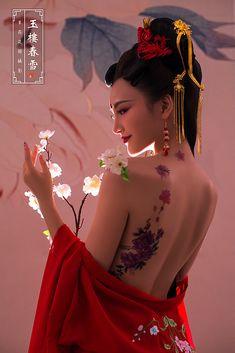Chinese Body Painting Posted by Sifu Derek Frearson - # Chinese Body . Geisha Kunst, Geisha Art, Chica Fantasy, Art Asiatique, Samurai Art, Art Japonais, Chinese Clothing, Poses, Beautiful Asian Girls