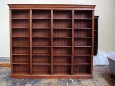 bibliotheek boekenkast met in hoogte verstelbare planken volledig massief hout