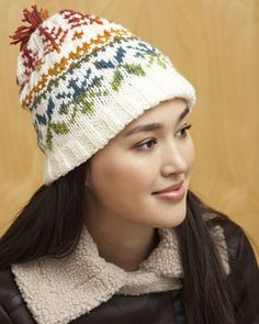 Using Bernat Mosaic for the fair isle pattern in this hat creates an amazing gradient effect!