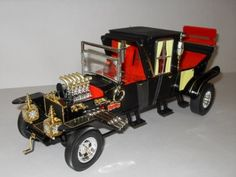 """The Munster Coach From """"The Munsters"""" 1/18 Diecast Model Car Round 2,http://www.amazon.com/dp/B004LCRXKI/ref=cm_sw_r_pi_dp_3cZasb03PTC37SV9"""