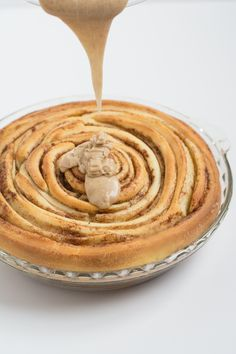 Cinnamon Roll Pie Recipe | this heart of mine - The deliciousness of cinnamon rolls in a pie! Perfect for the holidays! thisheartofmineblog.com