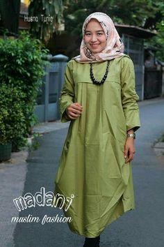 Ada lagi ada lagi  Husna Tunik Hadir dengan bahan katun ima premium, dengan design dan pola terbaik untuk kalian yg ingin tampil fashionable dan tetap muslimah  Design yg detail menambah daya tarik dari tunik ini. Ld: 116 cm Long : 117 cm Yuk tambah koleksi husna tuniknya biar tambah manis  Wa : 082283442179 #tunik#tunikpremium#hijabfashion#bigsize Casual Hijab Outfit, Muslim Fashion, Fashion Outfits, Womens Fashion, Raincoat, Blouse, Jackets, Tunics, Dresses