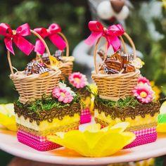 Masha Et Mishka, 2nd Birthday Party Themes, Masha And The Bear, Bear Party, Bear Birthday, Party Decoration, Bear Cakes, Baby Shower Cakes, Maria Alice