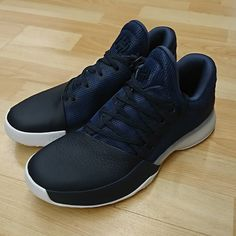 Adidas Harden vol.1 disponible en boutique et sur http   ift. 817850b72