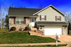 4012 Gallant Fox Drive - Columbia MO Real Estate