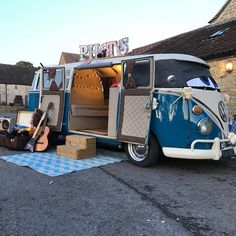 @weddingdaywagon is just the coolest photo booth! There's nothing more fitting for a vintage or retro event than a VW camper van! 😍 www.yourgloswilts.wedding/supplier/az/21947/camper-camera