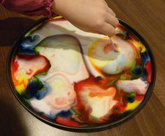 Čarujeme s mliekom - pokus pre deti - Nasedeticky.sk Montessori, Halloween, Life, Weaving, Spooky Halloween