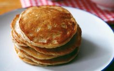 Aprenda a preparar panqueca paleo com esta excelente e fácil receita. No TudoR. Paleo Banana Pancake Recipe, Paleo Pancakes, Banana Pancakes, Pancake Recipes, Low Carb Paleo, Keto, Paleo Diet, Primal Recipes, Whole 30 Recipes