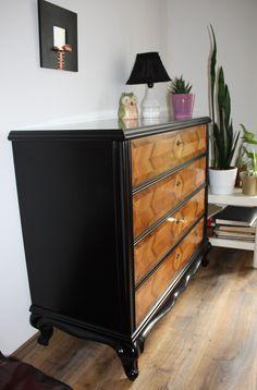 Antik bútor másképp, ahogy mi elképzeltük Dresser, Furniture, Home Decor, Powder Room, Decoration Home, Room Decor, Stained Dresser, Home Furnishings, Home Interior Design