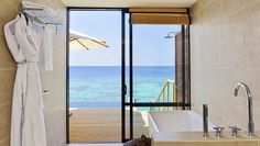 Robinson Club MaldivesRobinson Club offers a unique experience in the tropical holiday destination of the Maldives. Enjoy entertainment, sports and animations with a special Robinson flavour. Lagoon Villa with Pool https://goo.gl/Nah1Z4