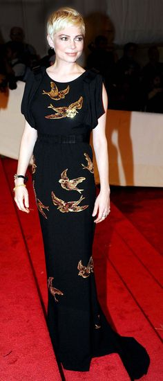 Michelle Williams in Miu Miu at the 2011 MET Gala, May 2011 Michelle Williams in Miu Miu auf Gala Dresses, Red Carpet Dresses, Stunning Dresses, Beautiful Outfits, Estilo Gamine, Michelle Williams Style, Pixie Outfit, Street Style 2014, Gamine Style