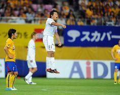 [ J1:第16節 仙台 vs 広島 ] 仙台が1点リードで迎えた前半終了間際の45分+3、広島は佐藤寿人(写真)のゴールで同点に追い付く。  2012年6月30日(土):ユアテックスタジアム仙台