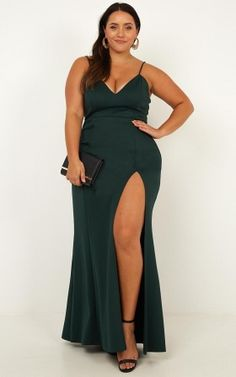 Complete your look with the Dare To Dream Maxi Dress In Emerald from Showpo! Buy now, wear tomorrow with easy returns available. Designer Party Dresses, Party Wear Dresses, Party Dresses For Women, Occasion Dresses, Formal Dresses Online, Semi Formal Dresses, Dress For Chubby Ladies, Gown Dress Online, Maxi Wrap Dress