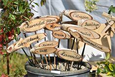 Viele Kräuter gibt´s zu sehen #seenlandkraeuter Place Cards, Place Card Holders, Cress, Basil, Lavender