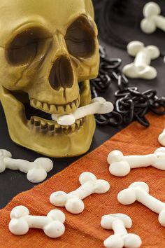 Una perfetta illusione per spaventare tutti nella notte delle  streghe! Le   ossa di be809e1c1e16