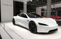 2020 Tesla Roadster is the four gaming car used by Tesla Battery, Inc. Tesla shows that Tesla Roadster 2020 model's sales will start in begining of 2020 year. Lamborghini, Ferrari, Bugatti, Luxury Sports Cars, Top Luxury Cars, Fancy Cars, Cool Cars, Porsche 2020, Dream Cars