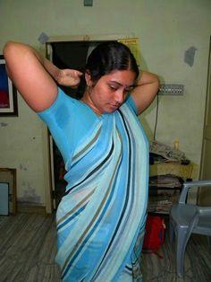 Indian Bollywood Actress, Indian Actress Hot Pics, Indian Actresses, Aunty In Saree, Saree Photoshoot, Curvy Outfits, Beauty Full, Desi, Model