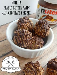 Do you like Nutella, peanut butter, and chocolate? These delicious Nutella peanut butter balls with chocolate drizzle are sure to soothe any sweet tooth!