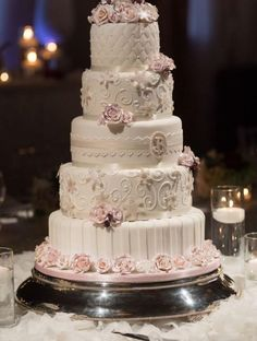 32 Stunning Pin-Worthy Wedding Cakes. To see more: http://www.modwedding.com/2014/01/20/32-stunning-pin-worthy-wedding-cakes/