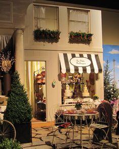 Parisian Theme at NW Flower & Garden Show. Parisian Theme at NW Flower & Garden Show. Coffee Shop Design, Cafe Design, Store Design, Cafe Restaurant, Restaurant Design, Mein Café, Style Salon, Cute Cafe, Cafe Shop