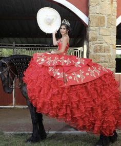 Burgundy Quinceanera Dresses, Mexican Quinceanera Dresses, Quinceanera Ideas, Dama Dresses, Ball Gown Dresses, Quince Dresses Mexican, Charro Dresses, Vestido Charro, Champagne Homecoming Dresses