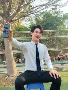 Photo shared by Bright Vachirawit Chivaaree🌸 on April 2020 tagging Image may contain: 1 person, outdoor Pretty Boys, Cute Boys, Theory Of Love, Win My Heart, Ideal Man, Handsome Faces, Thai Drama, Men Formal, Suit And Tie