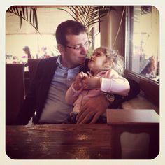 Kızları kaç yaşında olursa olsun,onlar Babalarının prensesleridir.