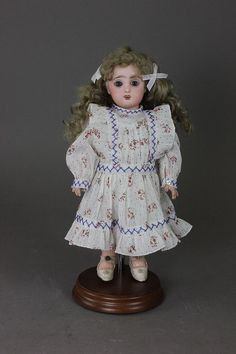 "10 5/8"" PREMIERE BLEUETTE - by McMasters Harris Appletree Doll Auctions"