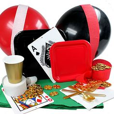 Menaje y decoración para una fiesta casino, de www.fiestafacil.com / Disposable tableware and decorations for a casino party, from www.fiestafacil.com