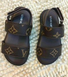 Cute Baby Shoes, Baby Boy Shoes, Cute Baby Girl, Cute Baby Clothes, Kid Shoes, Girls Shoes, Toddler Shoes, Baby Boots, Little Girl Outfits