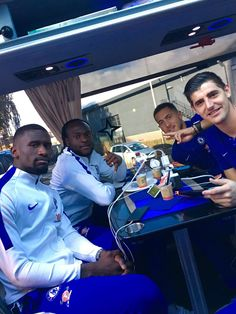 Chelsea players Eden Hazard and Thibaut Courtois playing the Switch!!